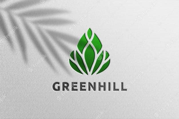 موکاپ لوگو سبز با کاغذ سفید لایه باز